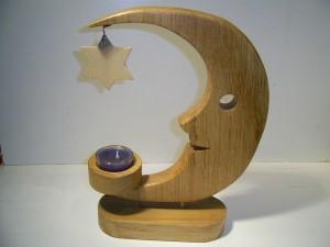 Mond aus Eichenholz mit Kerze  27 cm hoch, 21 cm breit